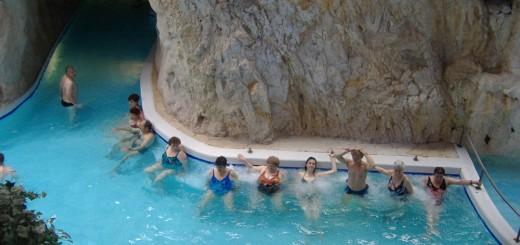 Miszkolc (Węgry) - baseny w jaskiniach
