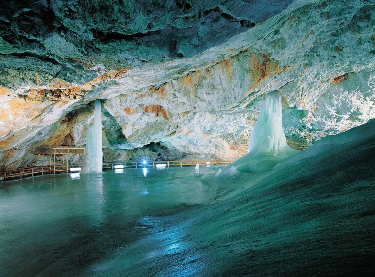 Jaskinia Lodowa - wycieczka ze Szczawnicy